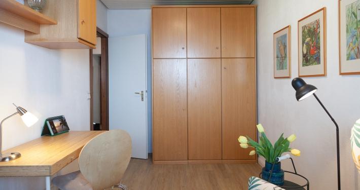 Im zweiten Zimmer der Ferienwohnung Fiedler gibt es ebenfalls ein Schrank mit einem integriertem Bett, dies ist zurzeit eingeklappt.