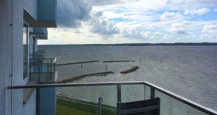Auch von der Loggia der Ferienwohnung Fiedler aus können Sie Kitesurfer auf der Ostsee beobachten.