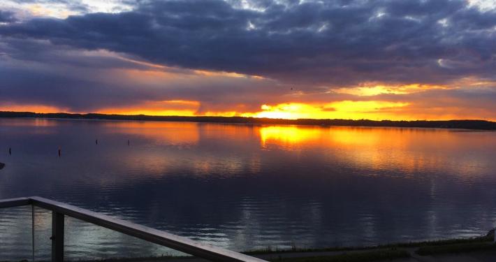 Von der Loggia der Ferienwohnung Fiedler aus sehen Sie abends einen tollen strahlenden Sonnenuntergang.